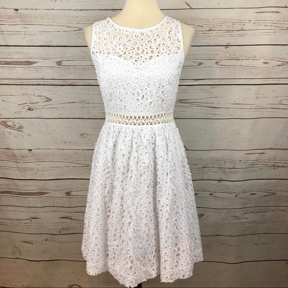Lilly Pulitzer Dresses & Skirts - Lilly Pulitzer White Eyelet Lace Flare Dress